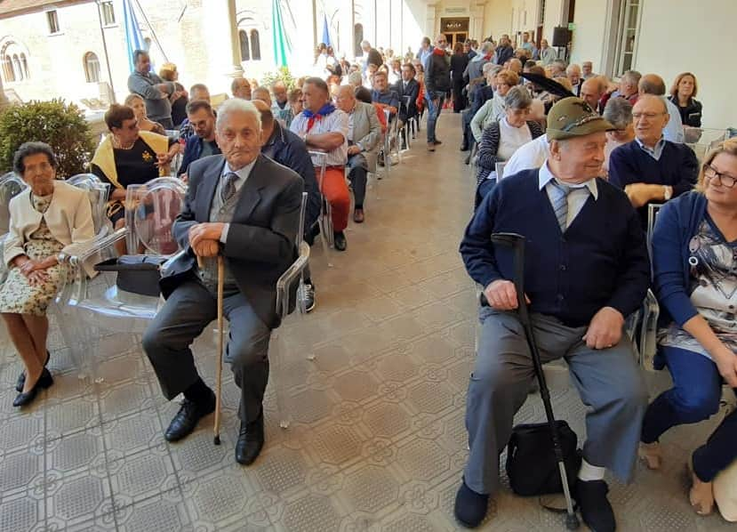 Brescia - due camuni - insigniti - medaglia