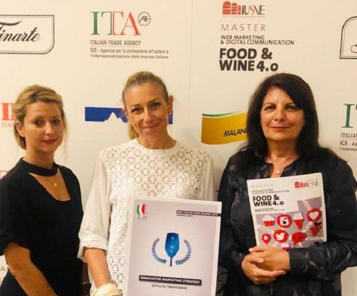 Trentodoc 2019 DeliaBortolotti - Sabrina Schench dell'Istituto Trento Doc, con la professoressa Iusve Maria Pia Favaretto