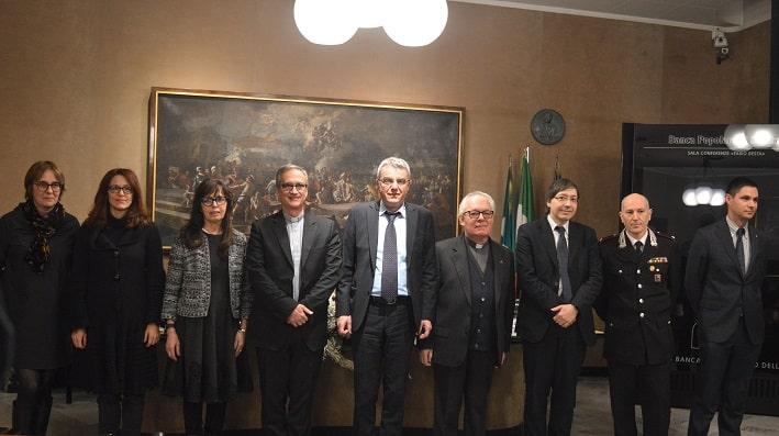 Sondrio quarto da sinistra - Monsignor Dario Edoardo Viganò