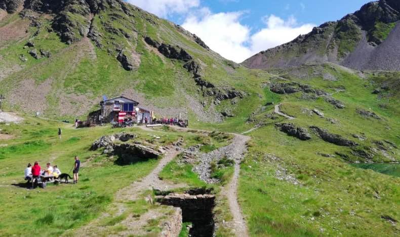 camminate escursioni estate montozzo rifugio bozzi