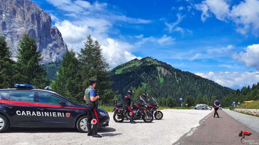 carabinieri controlli moto