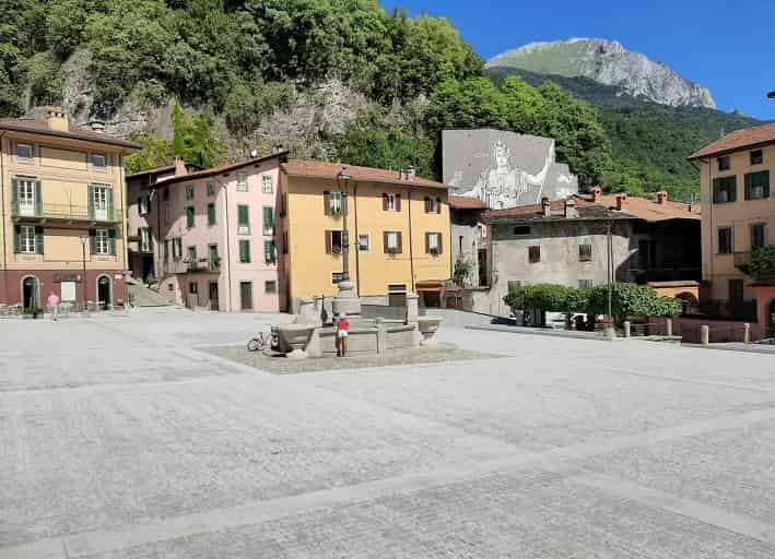 Piazza Ronchi - Breno -