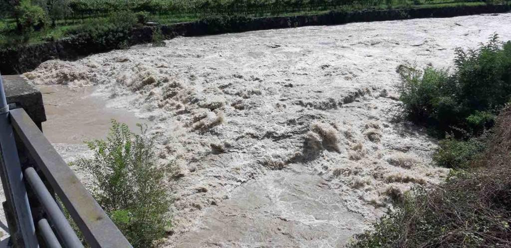 fiume piena maltempo
