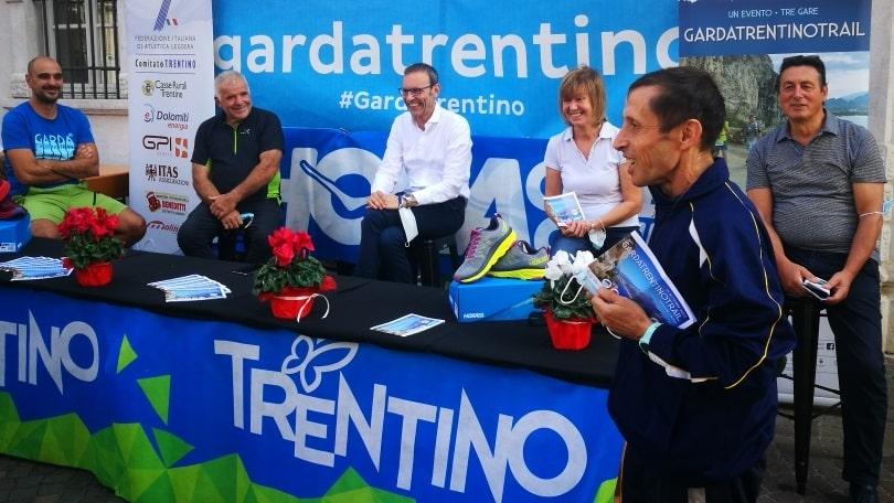 Da sinistra Paternostro, Viesi, Failoni, Demadonna e Benedetti, con in primo piano Don Franco Torresani credit foto Nicer
